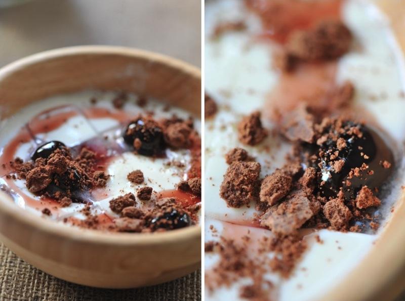 Caillebotte aux cerises amarena et sable de cacao
