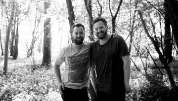 … Aime les faux jumeaux Loic Villemin et Jerome Bigot ensemble au Toya