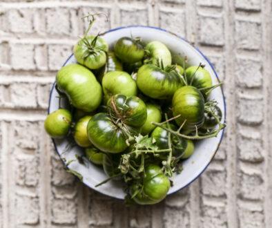 … Aime ne rien gâcher et la confiture de tomates vertes