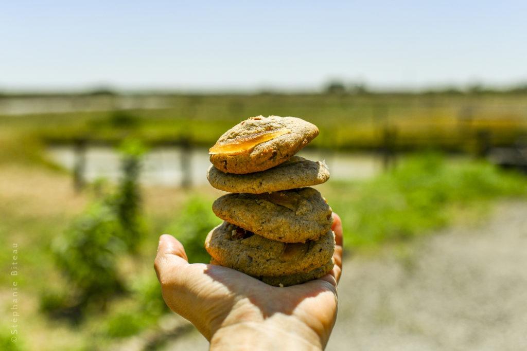 … Aime faire sa levure chimique maison et des économies, et les cookies au beurre
